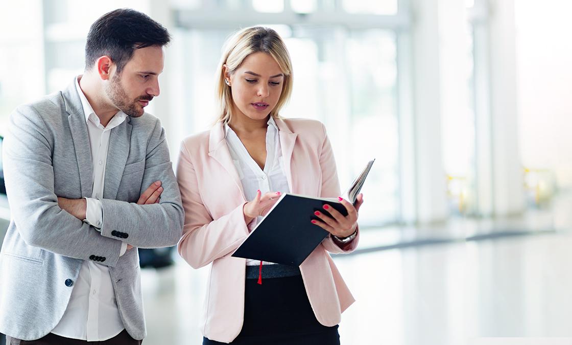 saiba as diferenças de trabalho de representante comercial e vendedor